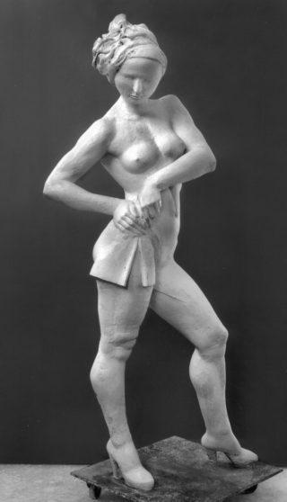 Frau mit Tuch